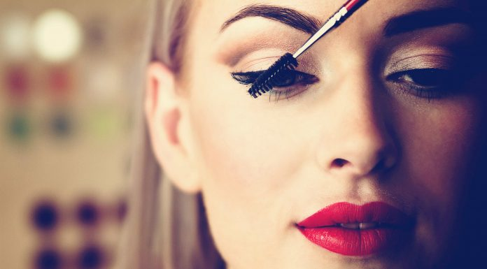 Does Makeup Make Us Beautiful Everyday