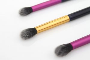 fluffy makeup brush