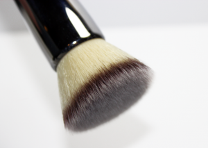 thick makeup brush