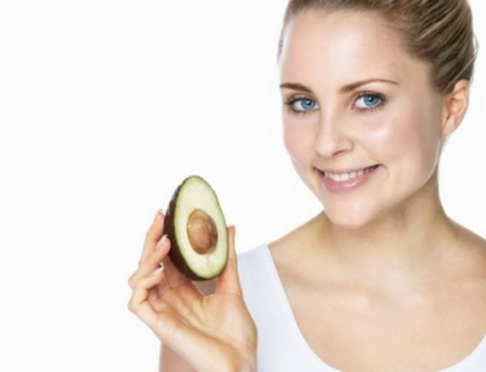 Avocado, Olive Oil and Banana Homemade Face Mask for Dry Skin