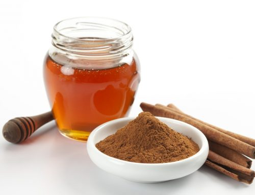 Honey and Cinnamon Homemade Facial Mask for Breakout Treatment