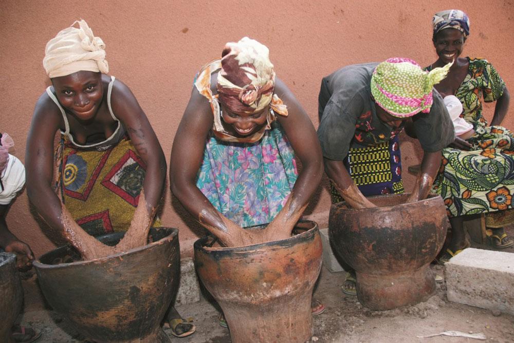 Burkina Faso's women make Shea Butter