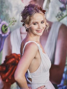 Jennifer Lawrence goddess makeup with taupe eyeshadow and pink lipstick